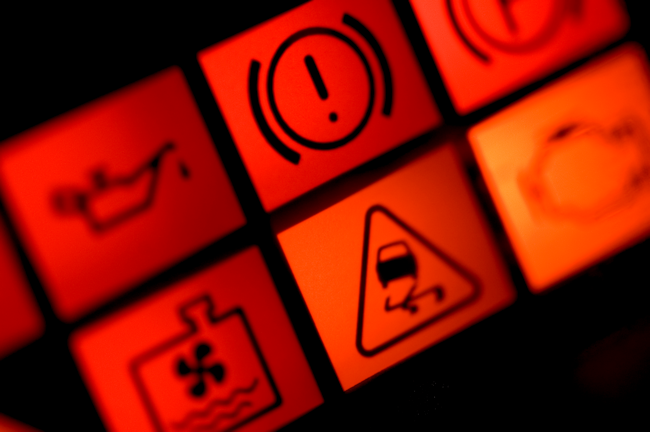 ¿Cuántos fluidos tiene un coche (y qué importancia tienen)?