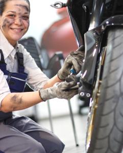 Cómo cambiar el aceite a tu moto