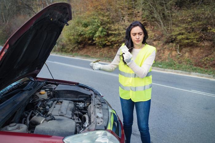 Cómo se mide el nivel de aceite del coche