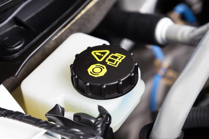 Claves para almacenar (bien) líquidos de suspensión y de frenos